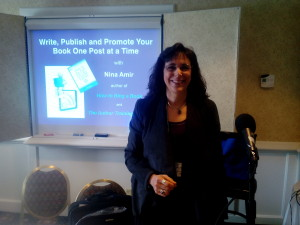 Photo of Nina Amir speaking an the SFWC15